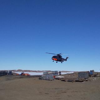 優先物資空輸と接岸準備