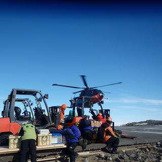 南極大陸での気象観測地点・S17