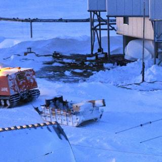 南極で走る列車?